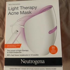 Neutrogena Light Therapy Mask with xtra activator
